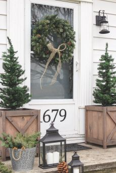 Stunning diy front porch christmas tree ideas on a budget 19