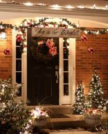 Stunning diy front porch christmas tree ideas on a budget 29
