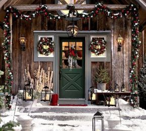 Stunning diy front porch christmas tree ideas on a budget 31
