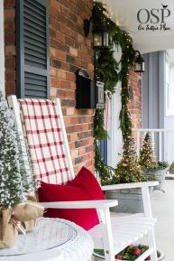 Stunning diy front porch christmas tree ideas on a budget 39