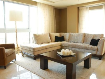 Amazing living room paint ideas by brown furniture 35