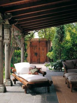 Beautiful mediterranean patio designs ideas 16