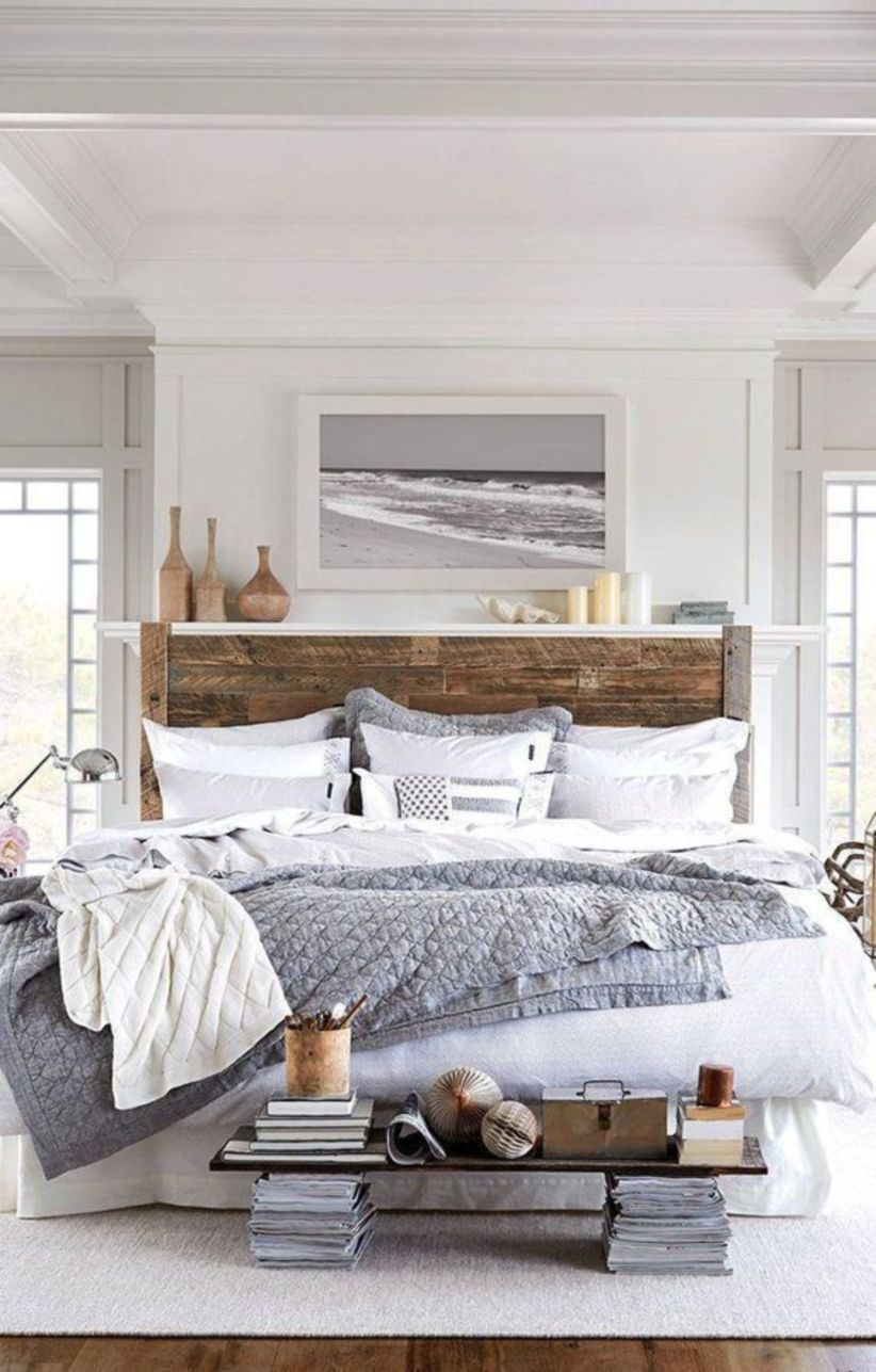 Cozy farmhouse master bedroom decoration ideas 19