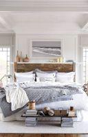 Cozy farmhouse master bedroom decoration ideas 19