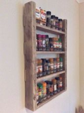 Creative ideas for repurposing old crates that are worth stealing 17