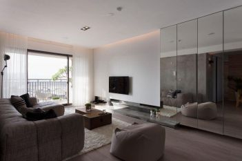 Fascinating striped walls living room designs ideas 33