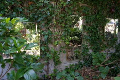 Inspiring outdoor garden wall mirrors ideas 11