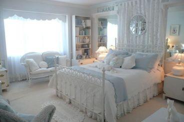 Inspiring valentine bedroom decor ideas for couples 44