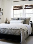 Lovely white bedroom decorating ideas for winter 20
