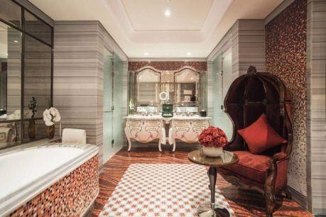 Luxurious bathroom designs ideas that exude luxury 32