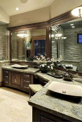 Luxurious bathroom designs ideas that exude luxury 37