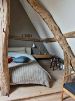 Pretty bedroom designs ideas with exposed wooden beams 01
