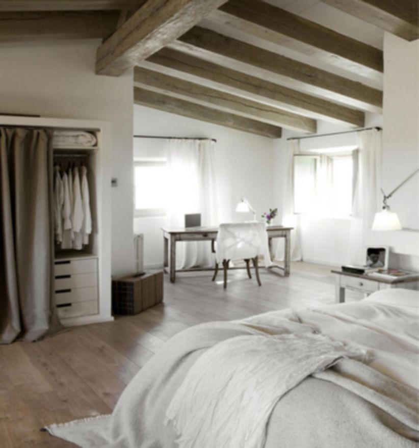 Pretty bedroom designs ideas with exposed wooden beams 12
