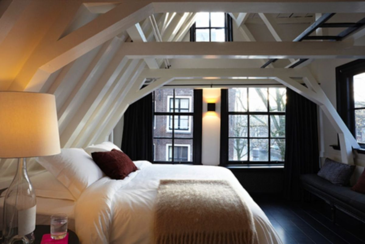 Pretty bedroom designs ideas with exposed wooden beams 14