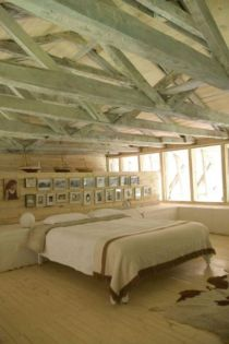 Pretty bedroom designs ideas with exposed wooden beams 29