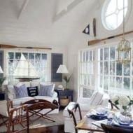 Stylish coastal living room decoration ideas 25