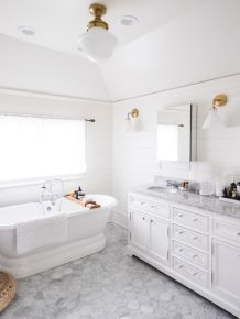 Affordable bathroom design ideas for apartment 44
