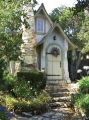 Cool small gardening ideas for tiny house 09