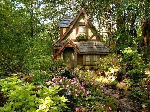 Cool small gardening ideas for tiny house 37