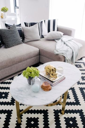 Creative coffee table design ideas for living room 40