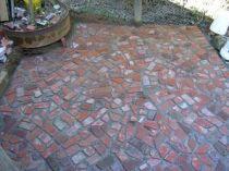 Elegant backyard landscaping ideas using bricks 21