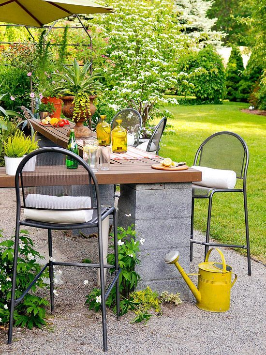 Elegant backyard landscaping ideas using bricks 39