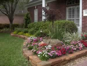 Elegant backyard landscaping ideas using bricks 44