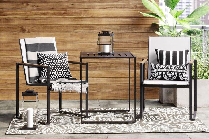 Modern small outdoor patio design decorating ideas 48