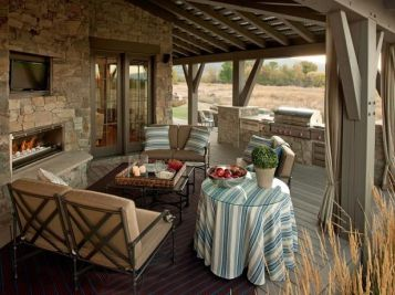 Romantic rustic outdoor kitchen designs with fireplace 30