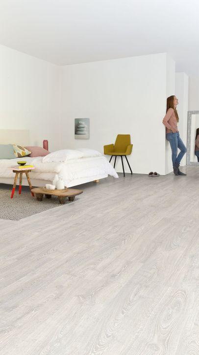 Stunning grey bedroom flooring ideas for soft room 10