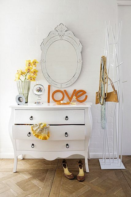 Adorable simple entryway decorating ideas for small spaces 11