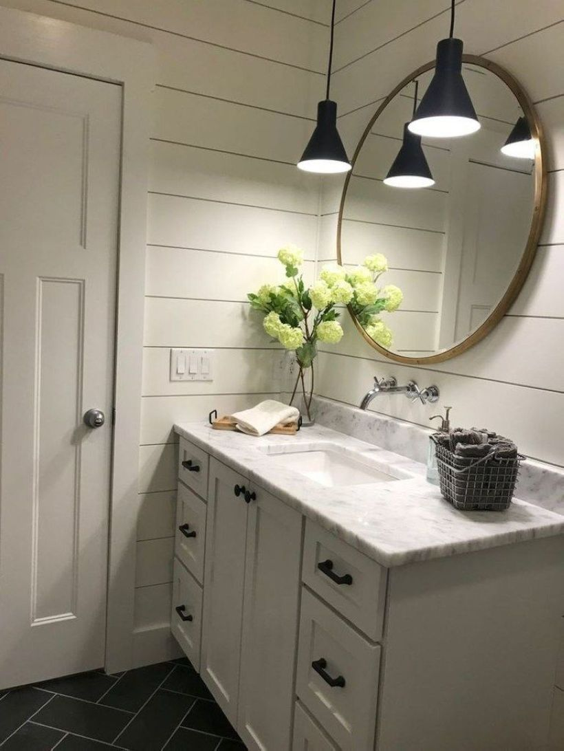 Affordable bathtub design ideas for classy bathroom 35