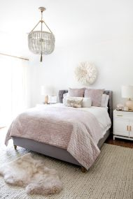 Awesome french style bedroom decor ideas 37