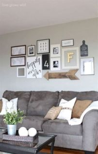 Charming gray living room design ideas for your apartment 27