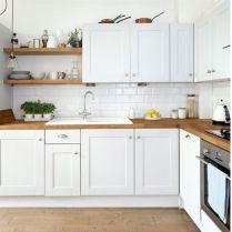 Cozy color kitchen cabinet decor ideas 14