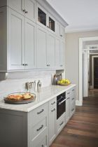Cozy color kitchen cabinet decor ideas 44