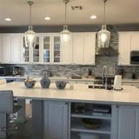 Cozy color kitchen cabinet decor ideas 47