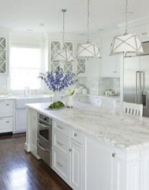 Fascinating colorful glass pendant lamps ideas for your kitchen 16