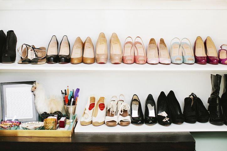 Luxury antique shoes rack design ideas 01