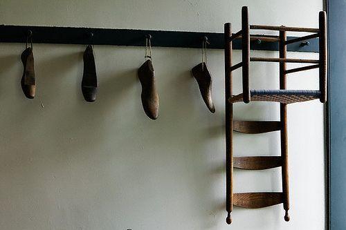 Luxury antique shoes rack design ideas 06