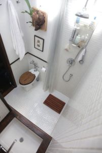 Perfect master bathroom design ideas for small spaces 06
