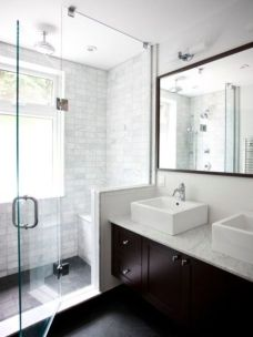 Perfect master bathroom design ideas for small spaces 37