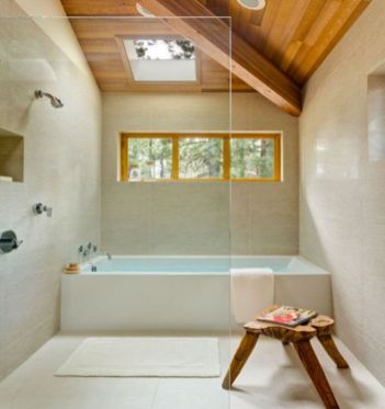 Perfect master bathroom design ideas for small spaces 40