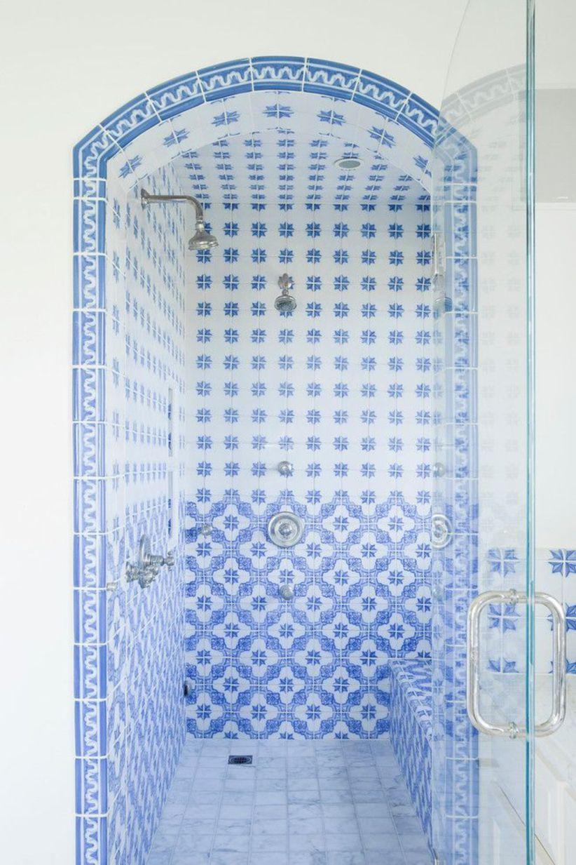 Shabby chic blue shower tile design ideas for your bathroom 05