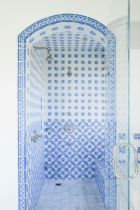 Shabby chic blue shower tile design ideas for your bathroom 05