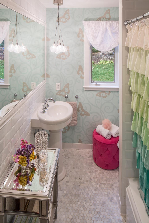 Shabby chic blue shower tile design ideas for your bathroom 22