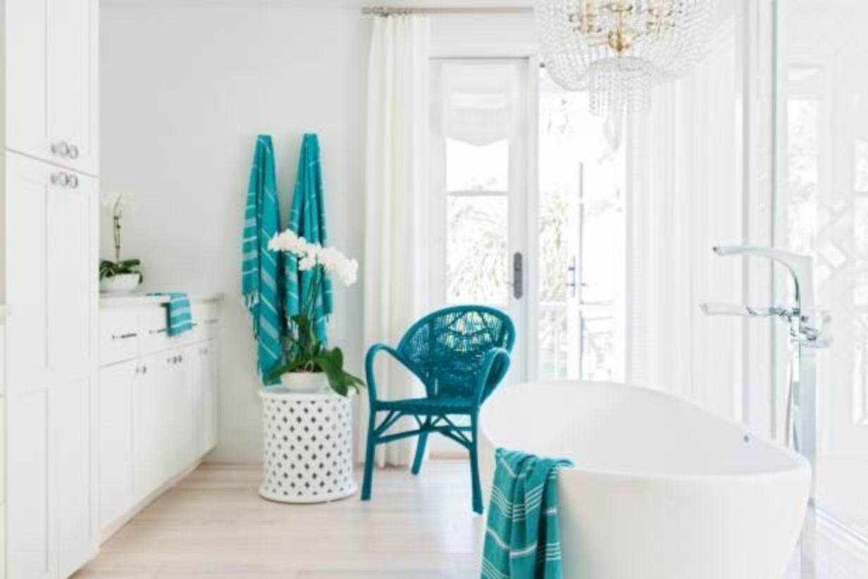 Shabby chic blue shower tile design ideas for your bathroom 29