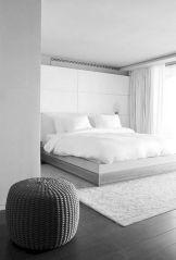 Unique white minimalist master bedroom design ideas 02