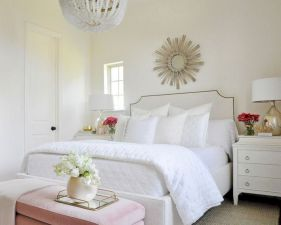 Unique white minimalist master bedroom design ideas 19
