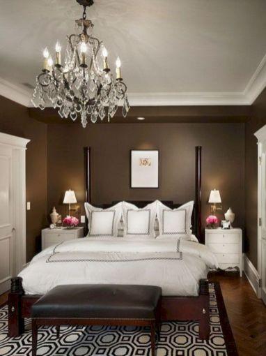 Unique white minimalist master bedroom design ideas 22